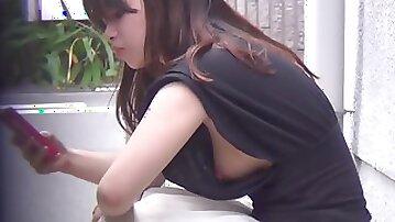 Voyeur Japanese babes public downblouse