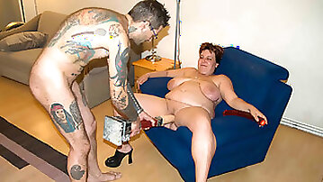 Tattooed small dude banging his bbw housewife