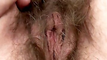 Isabella Diana Shows off her very Hairy Pussy