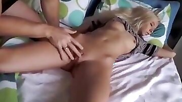 Sleeping Girl Wakes Up To Suck Dick And Fuck With Cum Facial !!