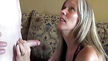 Sexy milf with saggy tits in homemade sextape