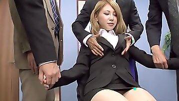 JAVHUB Mariru Amamiya gangbanged by her coworkers - japanese