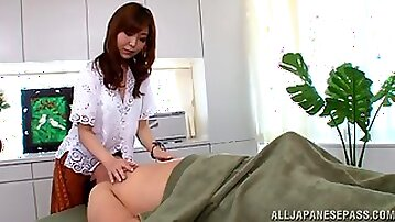 Adorable Japanese chick Hikari Kasumi spreads her legs to ride