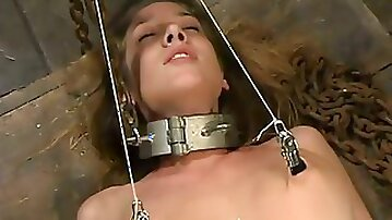 Babe gets bondaged and fucked by a powerful fuck machine