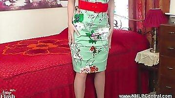Big boobs brunette Milf Vicki Peach wanks in vintage girdle nylons and red stiletto heels
