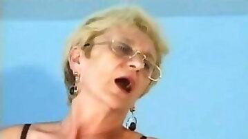 Glasses in semen, fuck upside down. Grandma Chloe