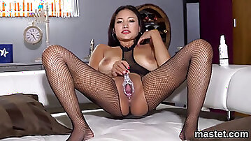 Foxy czech sweetie gapes her tight twat to the special