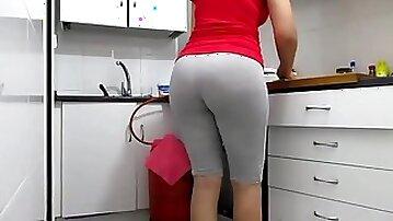 Big booty Arab Milf in the kitchen