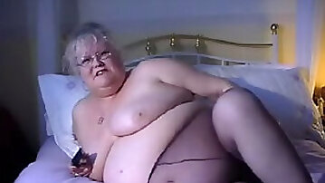 White SSBBW mature lady wants to give me blowjob and fuck
