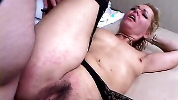 Naughty blodne mature babe in stockings gets fucked and creampied
