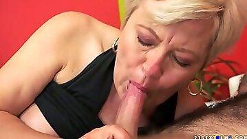 Nasty granny Ursula Grande gets her shaved yoni drilled well