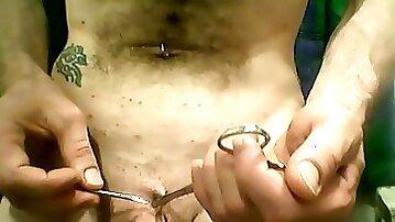 Pubic piercing - Piercing au pubis