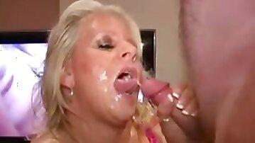 Robyn-Breasty Bukkake Mamma