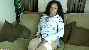 Older Dutch woman with big tits and a large butt masturbating