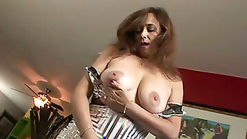 Erotic solo video with a kinky amateur brunette milf