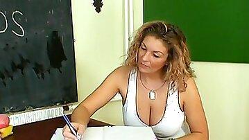 Amateur matured teacher with nice ass throbbed hardcore