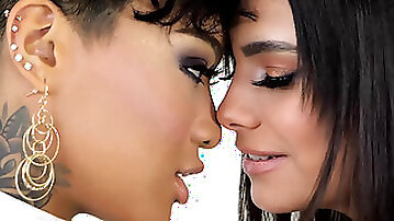 Honey Gold & Violet Starr fuck with a dildo & give a double bj