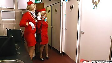 Stewardess luna corazon sucking cock in the toilet