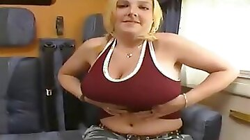 Norwegian chick giving a nice jerk off and blow job