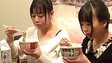 One of the things Tsukada Shiori loves is playing with a friend